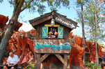 splash-mountain-sign-one-main-attraction-disney-s-magic-kingdom-florida-31520765.jpg