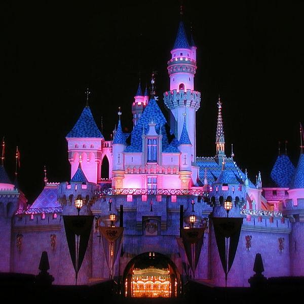 733px-Sleeping_Beauty_Castle_at_Night