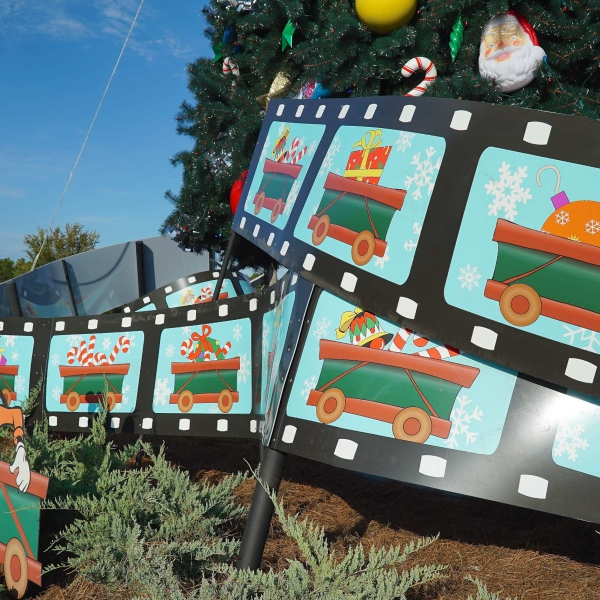 Disney's Hollywood Studios holiday decorations