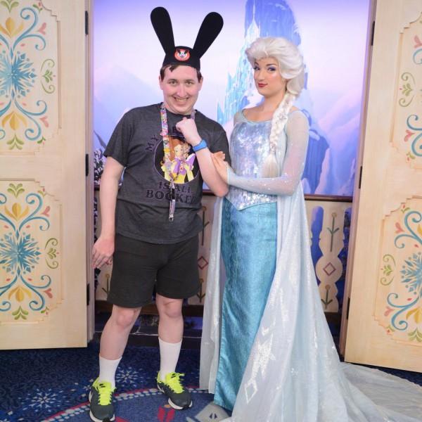 Elsa isn't showing the teeth anymore