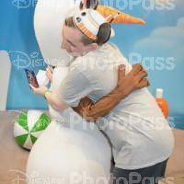 Giving Olaf Warm Hugs