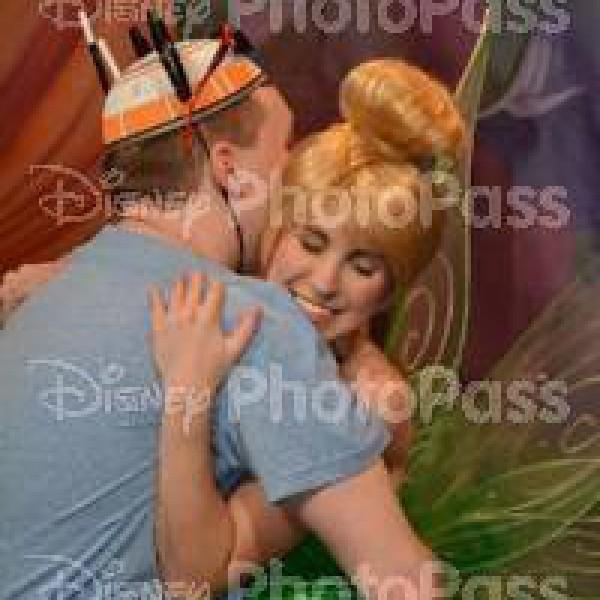 Hugging Tinker Bell(2016)