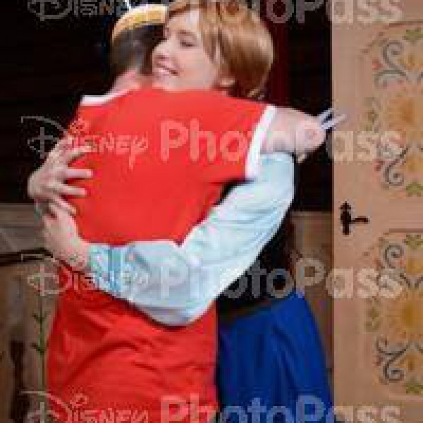 Giving Princess Anna Warm Hugs