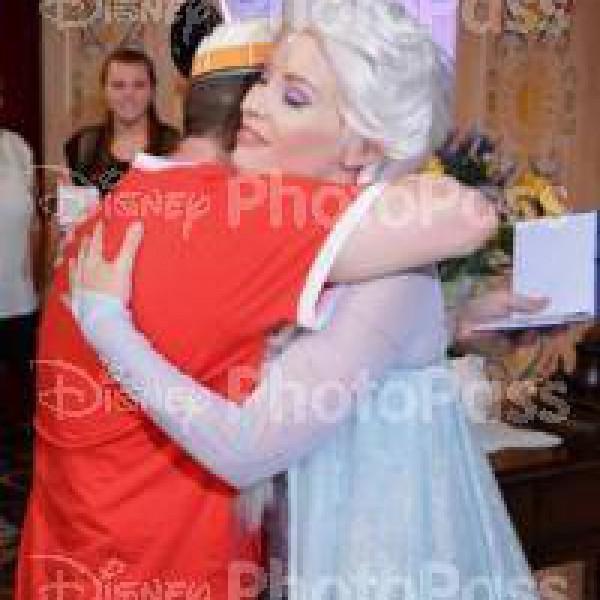 Giving Queen Elsa Warm Hugs