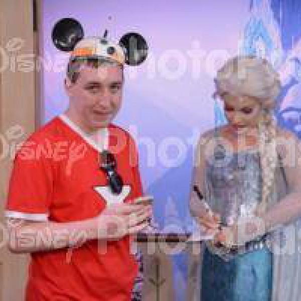 Queen Elsa signing my book