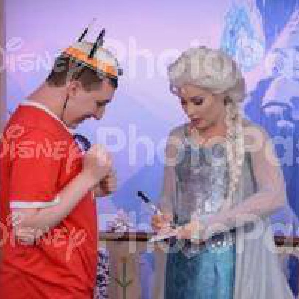 Seeing Queen Elsa finishing up her signature