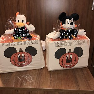 Mickey's Trick or Treat Surprise